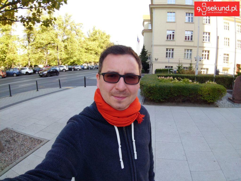 Superszeroki kąt 120st. Sony Xperia XA2 Ultra - 90sekund.pl - Michał Brożyński
