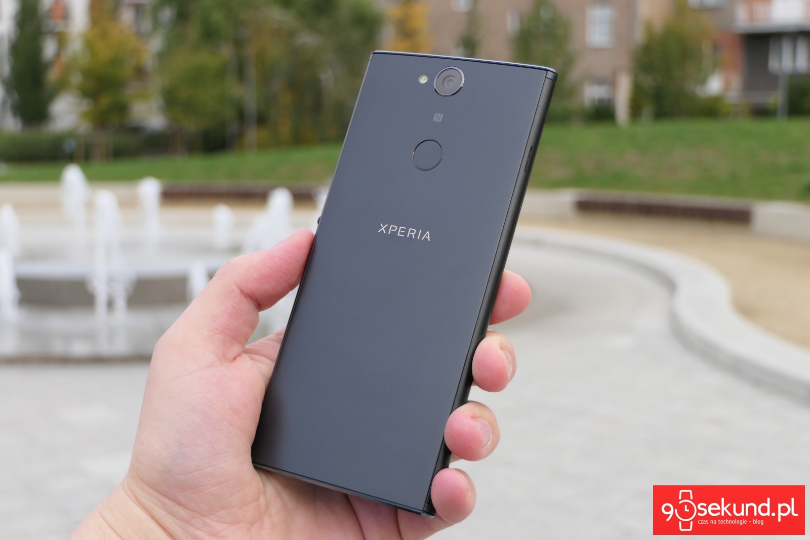 Recenzja Sony Xperia XA2 Plus - 90sekund.pl - Michał Brożyński