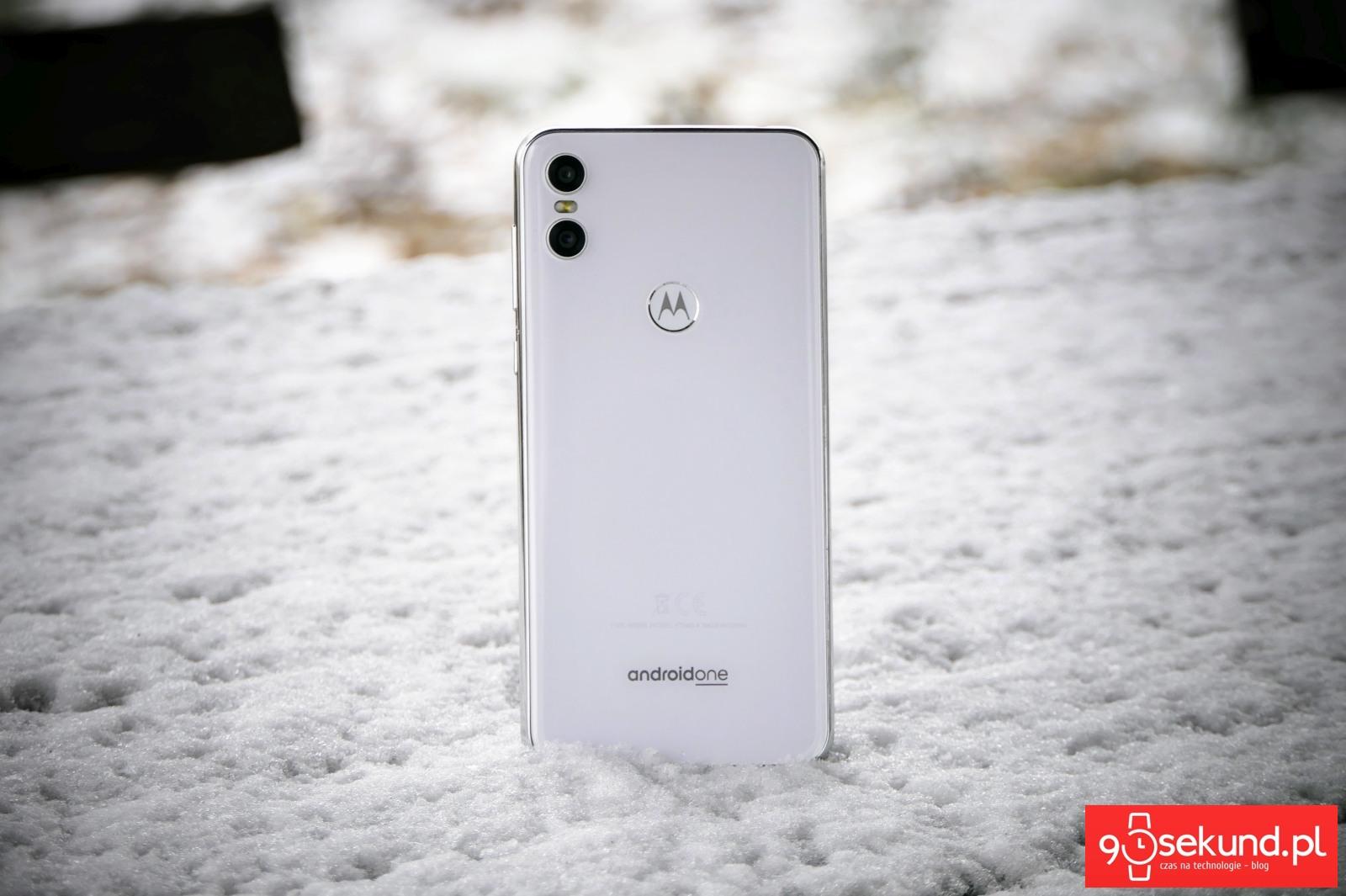Wideo Test Recenzja Opinia Motorola One Ale Tania