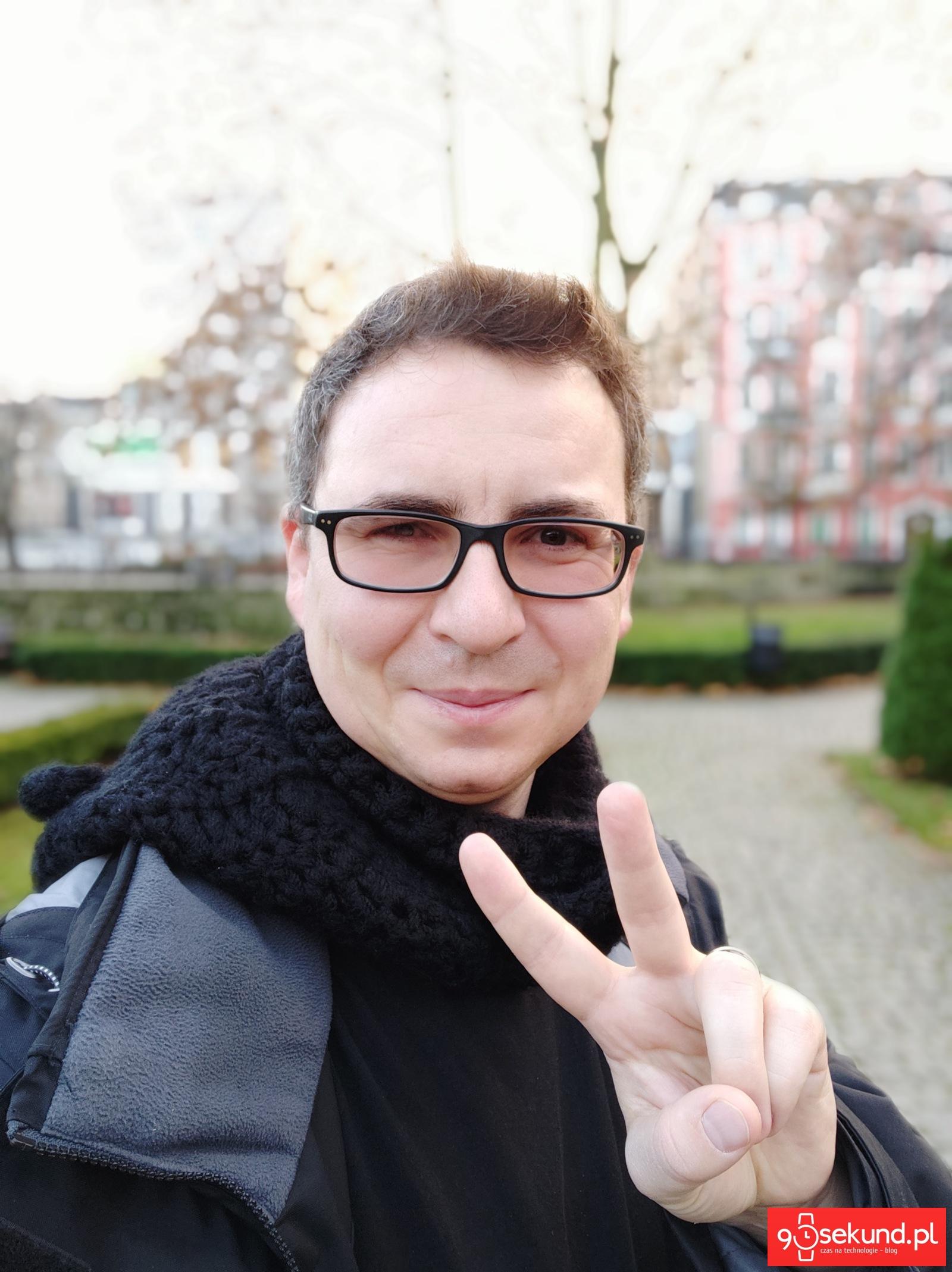 Selfie wykonane Pocophone F1 - Michał Brożyński 90sekund.pl