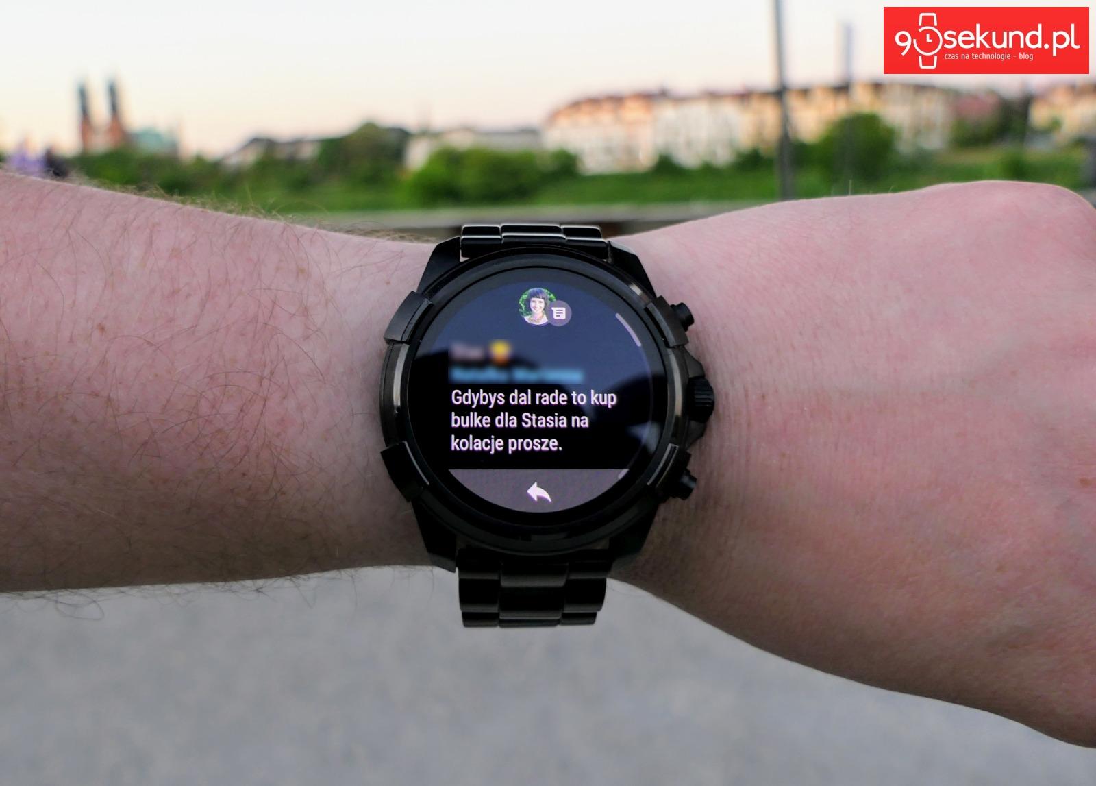 Odczyt wiadomości na smartwatchu Diesel On Full Guard 2.0 w Google Fit - Michał Brożyński 90sekund.pl