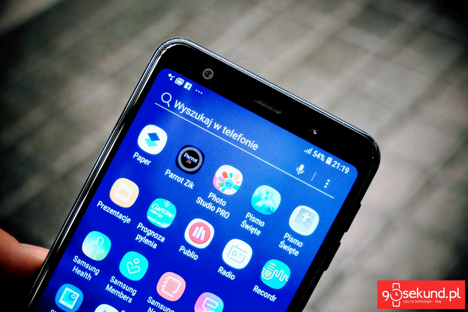 Recenzja Samsung Galaxy A7 2018 - Michał Brożyński 90sekund.pl