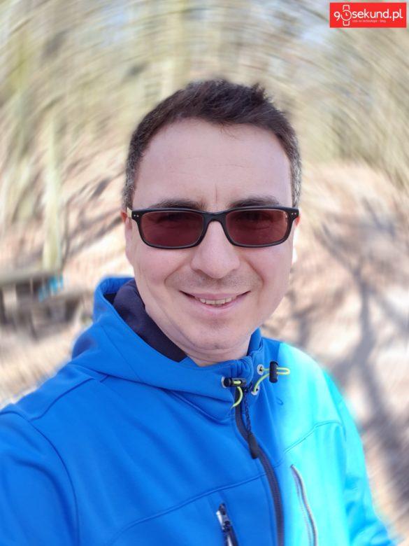 Selfie z efektem Wirowania z Galaxy S10+ Plus - Michał Brożyński 90sekund.pl