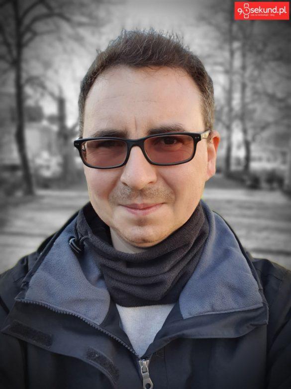 Selfie z efektem Kolorowy Punkt z Galaxy S10+ Plus - Michał Brożyński 90sekund.pl